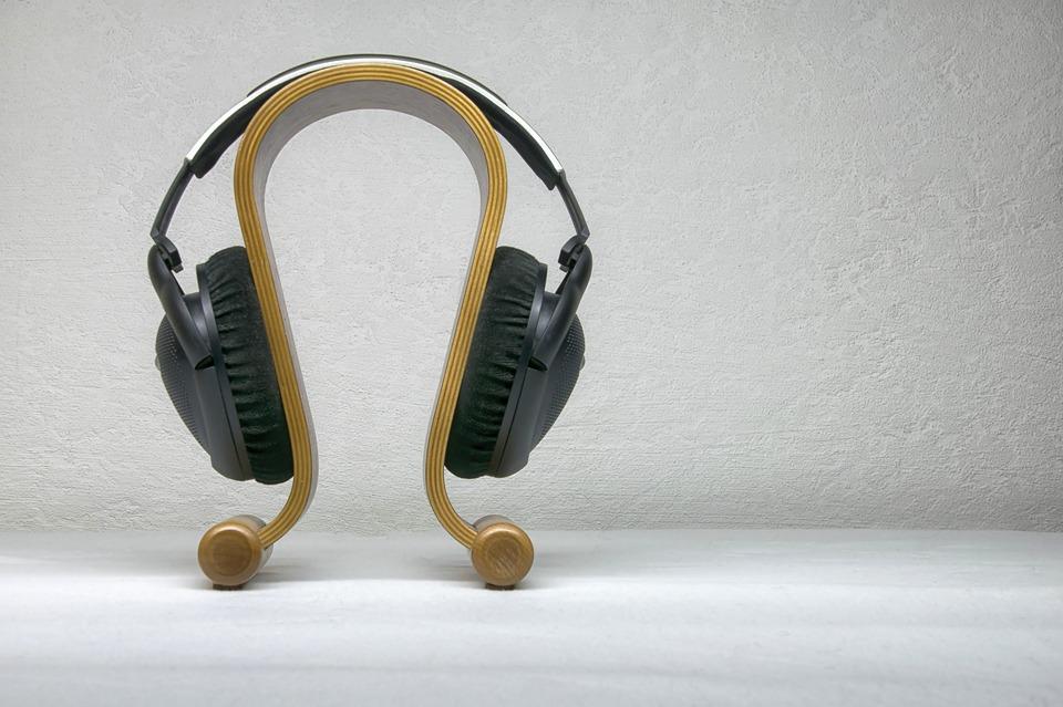 Le casque Bluetooth est pratique à utiliser
